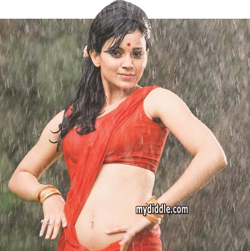 Top Indian Bollywood Actress Boobs Press Images